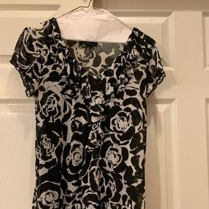Inc black and white top size Small